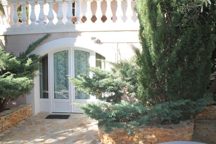 Appartement Bas de Villa La Ciotat