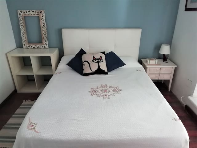 beatiful double bedroom in the centre