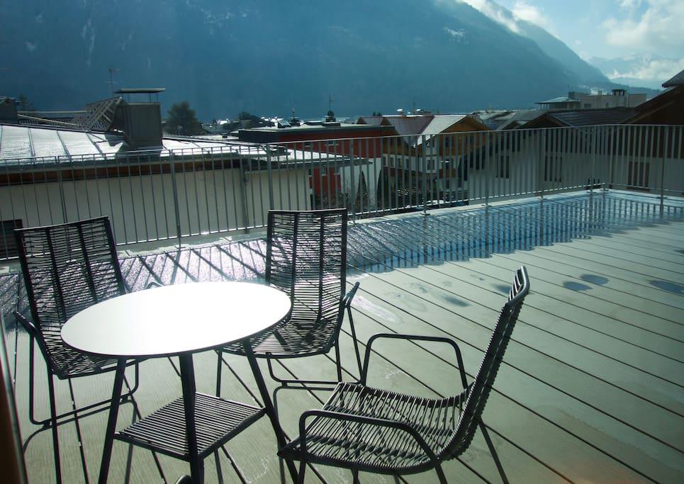 Dachterrasse mit Blick auf den Kronplatz