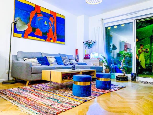 Hippie chic flat with private garden in Paris