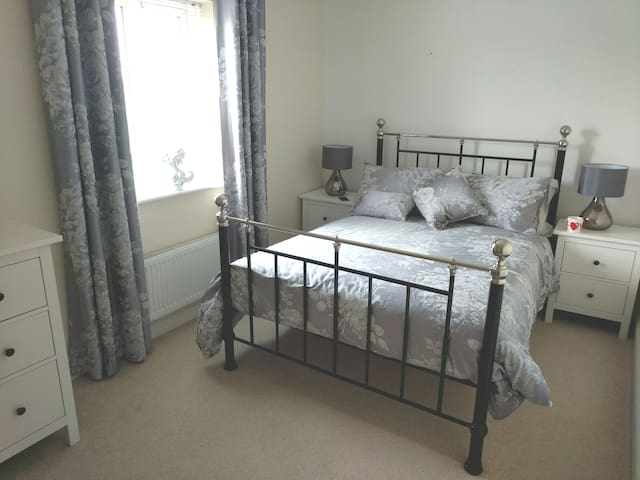 J21 M5 Near Weston-super-Mare Double room Sleeps 2