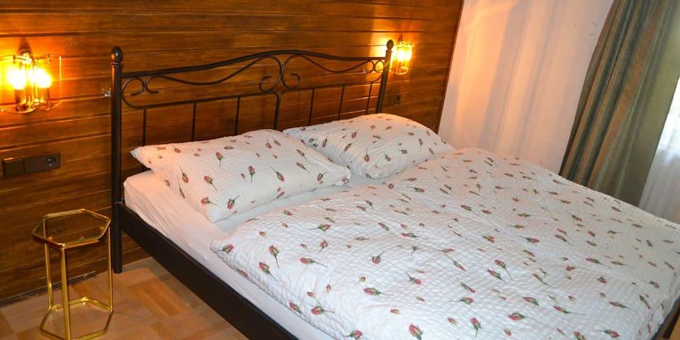 """ HAUS ROHSKOPF "" Appartment 1 - Mallnitz - Guesthouse"