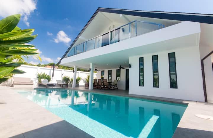 Seaview Pool Villa 3BR, Long Beach - Monkey Villa