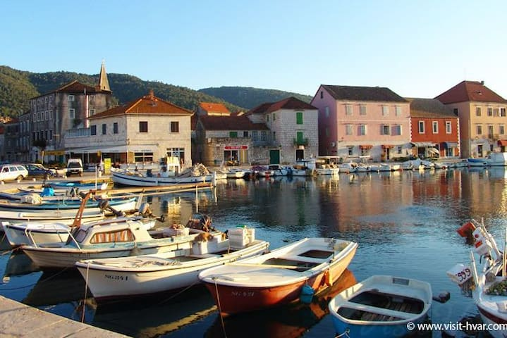 Guidebook for Stari Grad