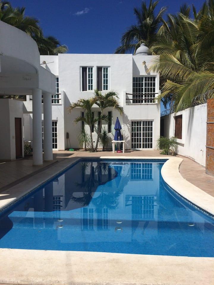 Casa en lo de Marcos Nayarit con alberca 3