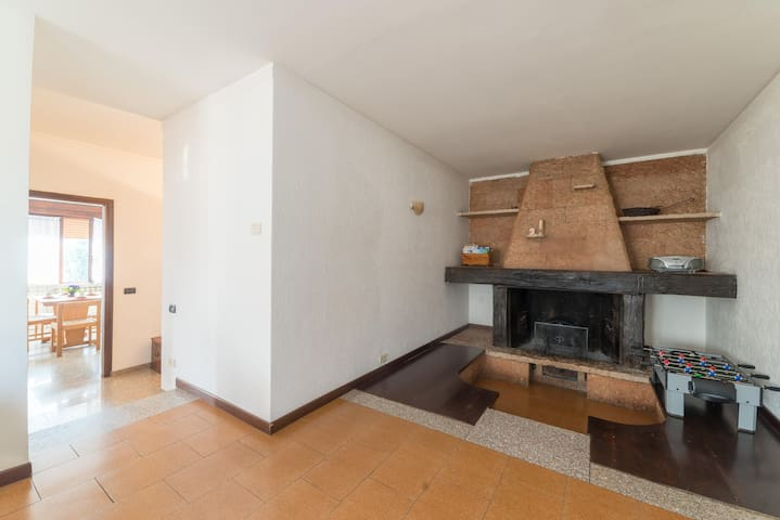 Lake Iseo. Romantic apartment with fireplace.