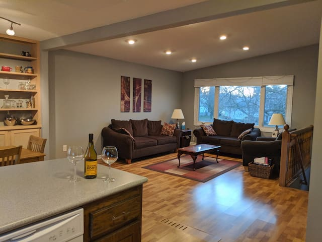 Private home perfect for Super Bowl entertainment!