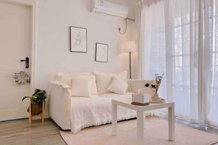 【XY · Apartment】南山地铁站·北欧风一房一厅.临近海岸城·万象新天地(设有投影仪)