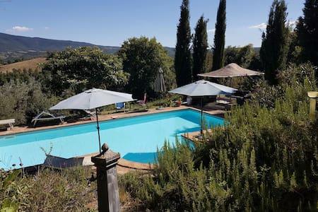 Casa Acanthus, beautiful apartment + swimming pool - Piegaro - Daire