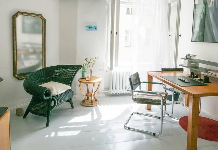 Sunny, quiet room in Charlottenburg, Berlin