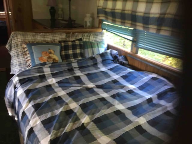 Second bed in Scotland theme camper bus