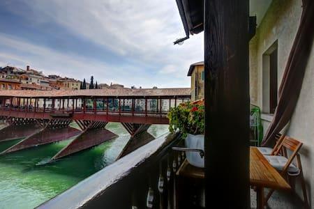 Appartamenti Ponte-Vecchio (A. P.) - Bassano del Grappa