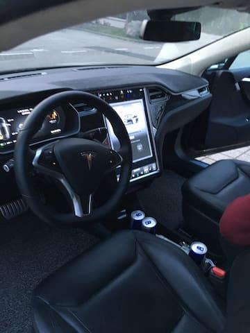 Tesla S P90D fahren im Schwarzwald - Haslach im Kinzigtal - Other