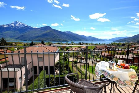 GIACINTO with terrace and lake view - San Gregorio - Apartment