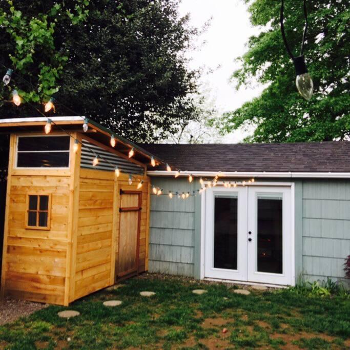 Portland city cabin cottages for rent in portland for Cabins near portland oregon