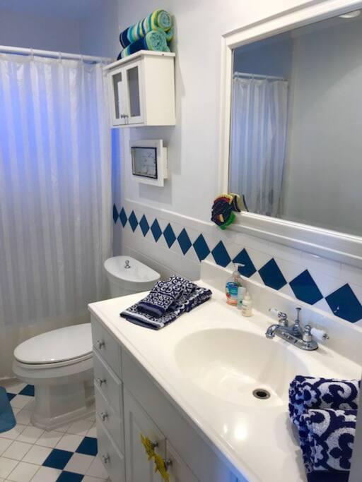 Private ensuite bath