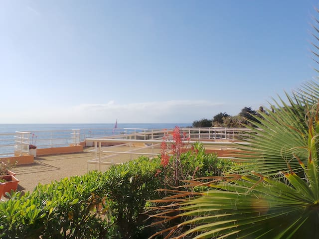 T2 GARDEN WITH SEA VIEW - Saint-Raphaël - Apartment