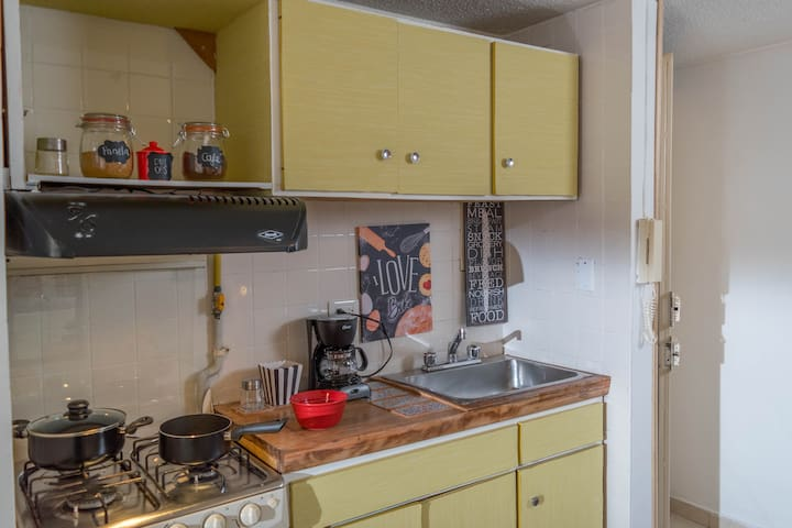 Casa Girasol: Apartestudio La Candelaria