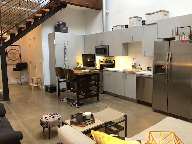 Open kitchen-
