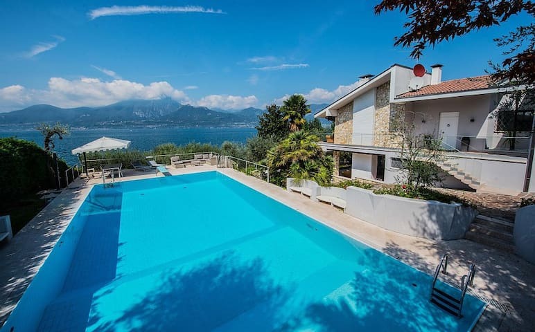 Beautiful private villa with pool on Garda Lake - Torri del Benaco - Villa