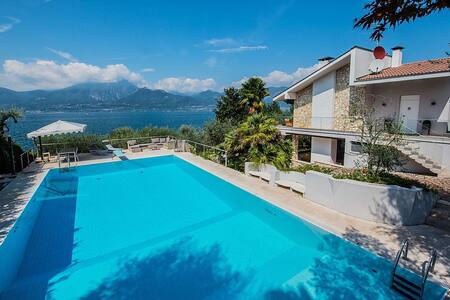 Beautiful private villa with pool on Garda Lake - Torri del Benaco