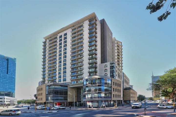 Fully-Furnished Apartment in Icon, Cape Town CBD