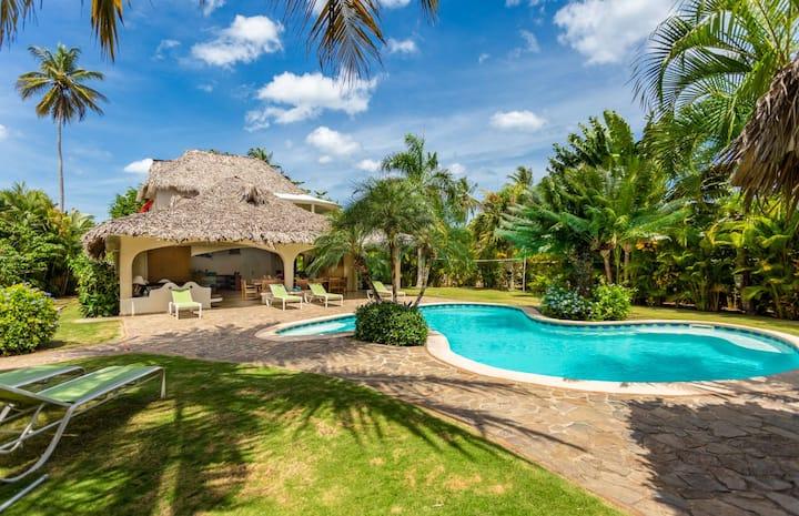 Charming Villa San Lucas : spacious and atypical !