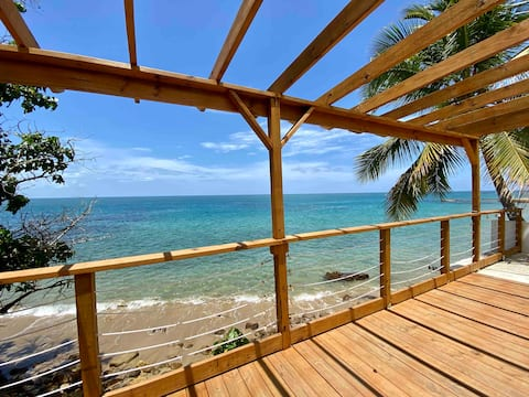Cozy, private, oceanfront, beach house Rincon:)