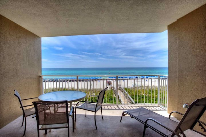 Emerald Beach 2nd Floor 2BR/Bunk/2BA Master on Gulf King Bed Sleeps 8 Free Fun Included with Rental - Panama City Beach - Lyxvåning
