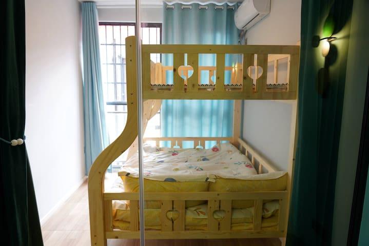儿童双人床