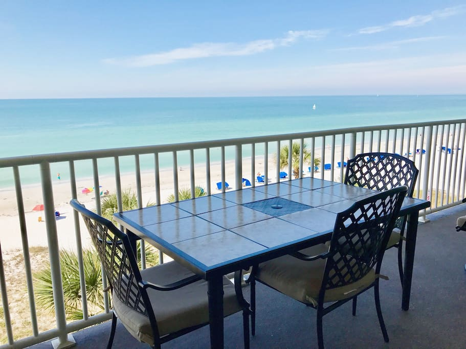 Direct oceanfront three bedroom two bath beautiful gulf of Mexico