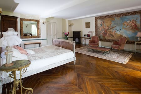 Chateau gîte à 5 minutes de Giverny - Hrad