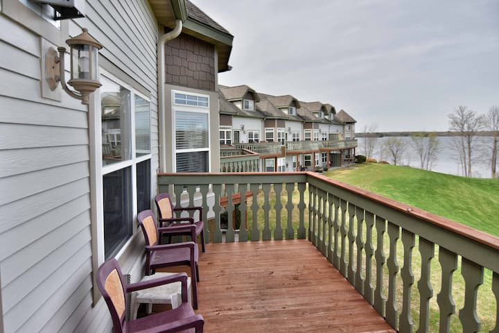 T302 Beautiful Condo on Tagalongs 18 hole golf course on Red Cedar Lake