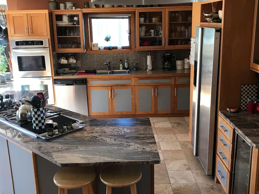 Kitchen-open plan