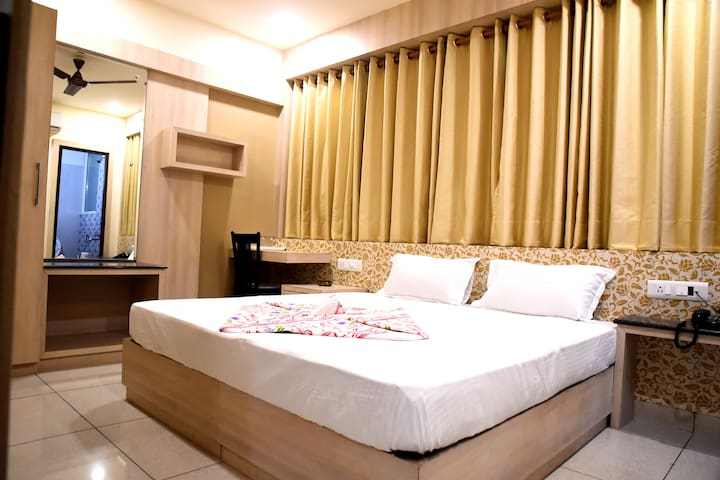AC Luxurious Room @ Haldwani - Haldwani - Guesthouse
