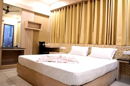 AC Luxurious Room @ Haldwani - Haldwani - 宾馆