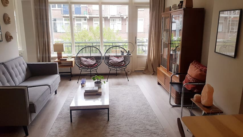 Spacious, bright apartment in city centre