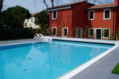 Ca'Rossa's apartment with swimmingpool - Venedig - Wohnung