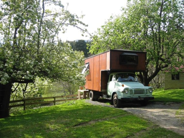 Kiwi House Truck in the magical Okuti Garden
