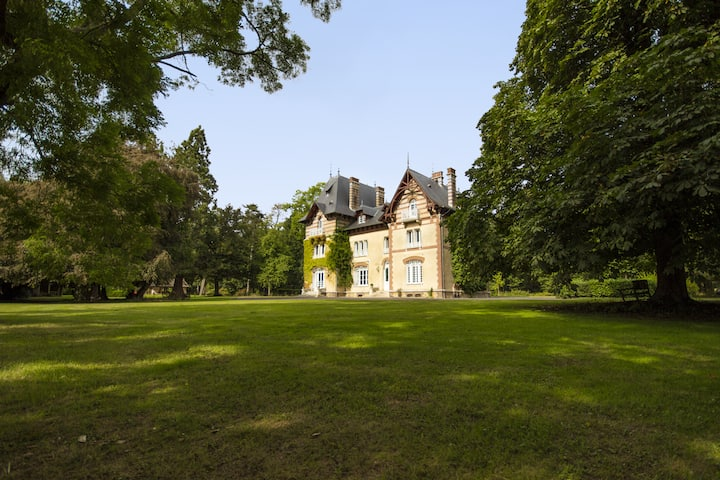 Le Manoir d'Elise - Beautiful Manor in Normandy