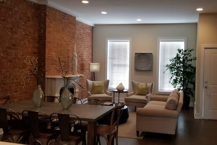 Elegant Town home, Newark / Ironbound