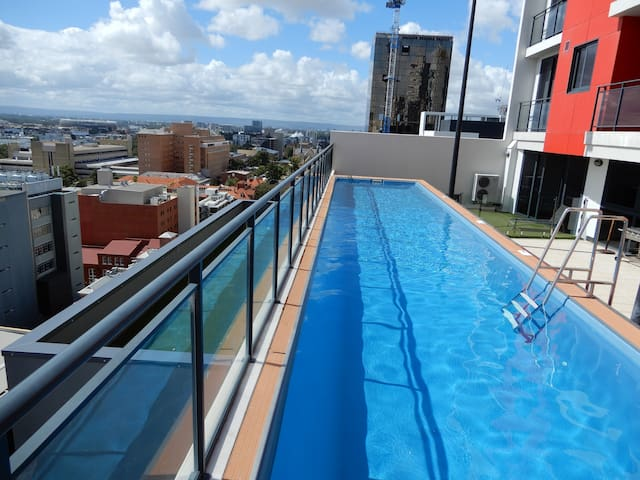 Modern CBD Apertment with Free WiFi & Parking - Perth - Wohnung