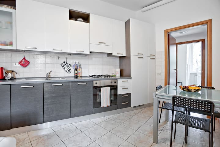 ★ Cozy Flat for 3 cIose to Gerusalemme M5 ★