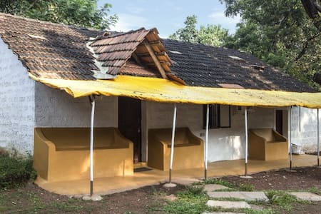 Cosy Colonial Private AC Cottage near Vagator - Assagao