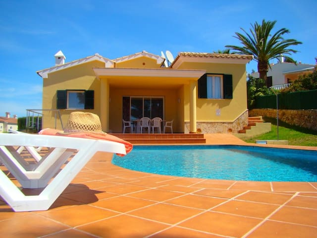 Villa Llebeig: Dream house just minutes from Son Bou beach with private pool
