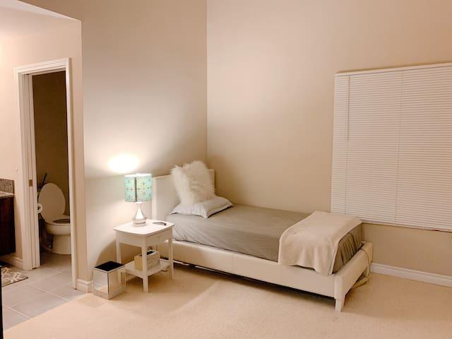 San Gabriel new apt private bedroom & bathroom