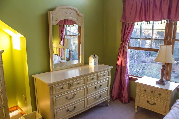 Beautiful View, Spotless Spacious Home, Clean - Salem - Casa