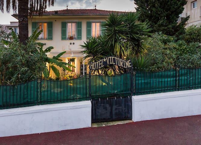 B &B Logis Hotel Villa Victorine