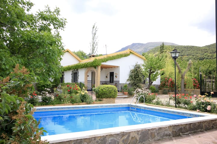 Villa El Nogal - Torres - House