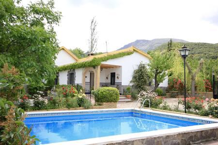 Villa El Nogal - Torres